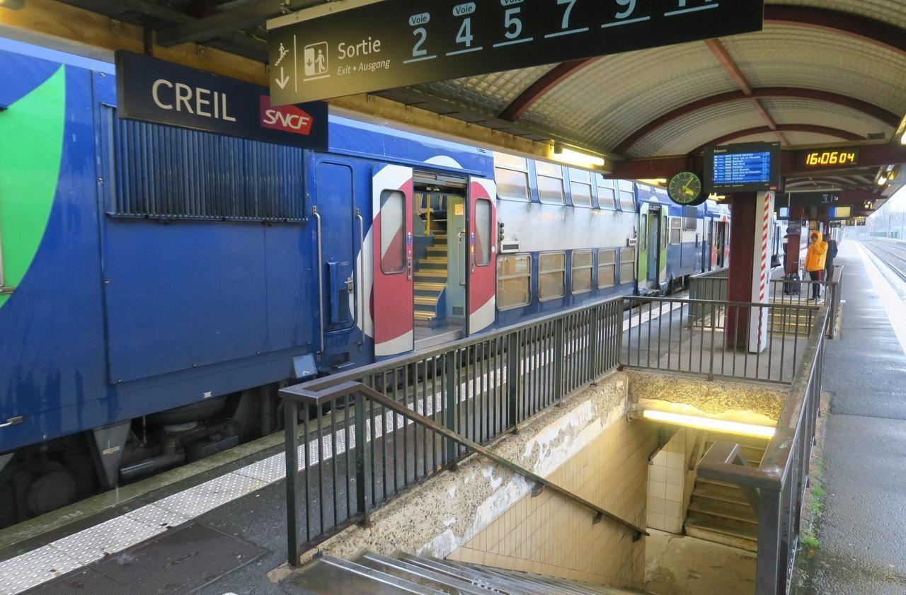 克里尔  失踪的傍晚,富利耶(Fouleye)乘火车去了巴黎。